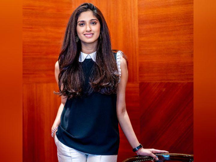 दिल्ली की रहने वाली वंशिका चौधरी ने 2017 में कन्या नाम से महिलाओं के लिए कपड़ों का ऑनलाइन बिजनेस शुरू किया था। - Dainik Bhaskar