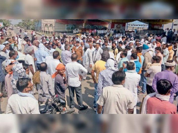 पीआर धान की खरीद नहीं होने पर इंद्री, घरौंडा, करनाल, गढ़ीबीरबल, निगदू मंडियों में किसानों का धरना प्रदर्शन