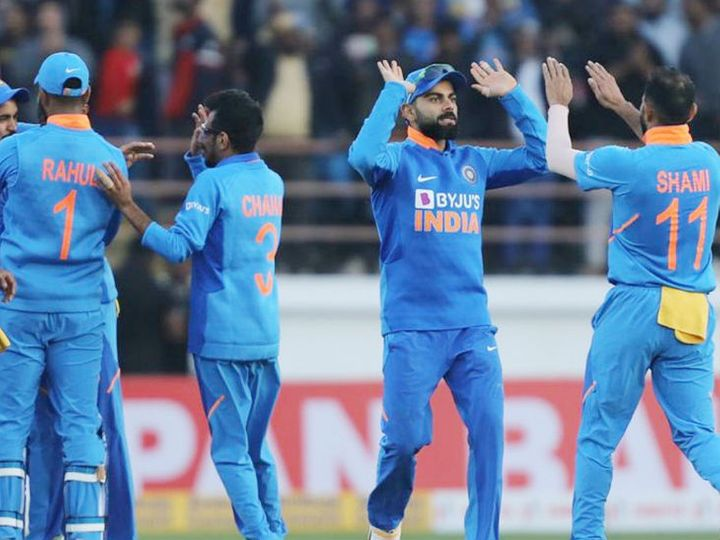 टीम इंडिया 10 नवंबर को आईपीएल खत्म होने के बाद यूएई से सीधे ऑस्ट्रेलिया रवाना होगी। - फाइल फोटो - Dainik Bhaskar