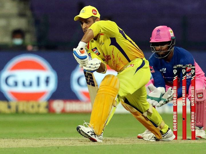 मौजूदा सीजन में चेन्नई सुपर किंग्स के कप्तान महेंद्र सिंह धोनी पूरी तरह से फेल रहे हैं। वे 9 पारियों में 164 रन ही बना सके हैं। - Dainik Bhaskar