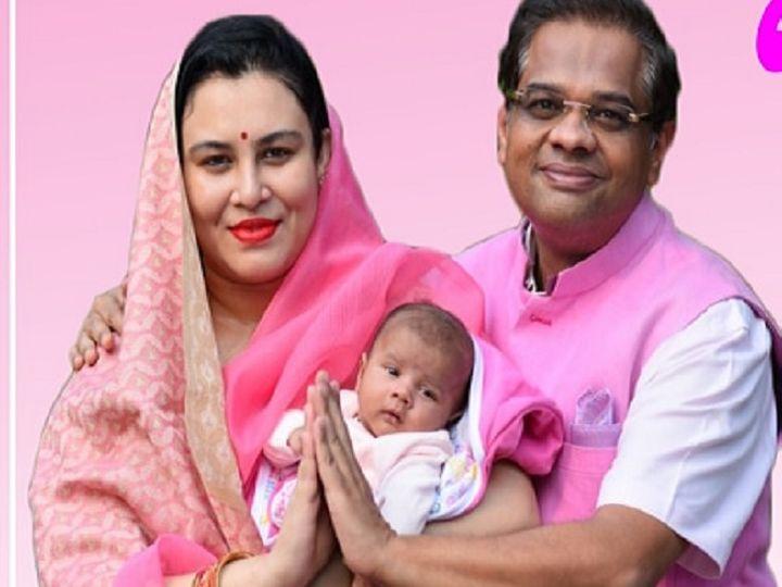 इस तस्वीर के साथ अमित जोगी चुनावी मैदान में उतरने की तैयारी में थे। मगर बात नहीं बनी। - Dainik Bhaskar