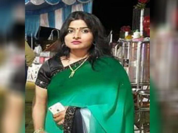 डीआईजी चंद्र प्रकाश की पत्नी पुष्पा प्रकाश की शनिवार को रहस्यमय परिस्थितियों में अचानक मौत हो गई। उन्हें लोहिया अस्पताल ले जाया गया था जहां चिकित्सकों ने उन्हें मृत घोषित कर दिया। बताया जा रहा है कि उन्होंने सुसाइड कर लिया है। - Dainik Bhaskar
