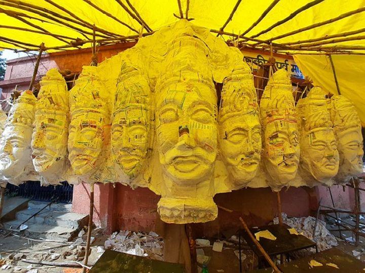 ये फोटो रायपुर के डब्ल्यूआरएस कॉलोनी की है। यहां पर हर साल छत्तीसगढ़ के सबसे बड़े 100 फीट के रावण के पुतले का दहन किया जाता रहा है। - Dainik Bhaskar