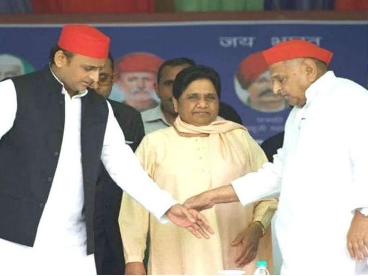 यह फोटो लोकसभा चुनाव के दौरान मैनपुरी की है। बसपा प्रमुख मायावती, सपा अध्यक्ष अखिलेश यादव,  पूर्व सीएम मुलायम सिंह एक साथ मंच पर नजर आए थे। चुनाव में सपा, बसपा और रालोद ने गठबंधन किया था। मायावती ने मुलायम सिंह के लिए वोट मांगे थे। - Dainik Bhaskar