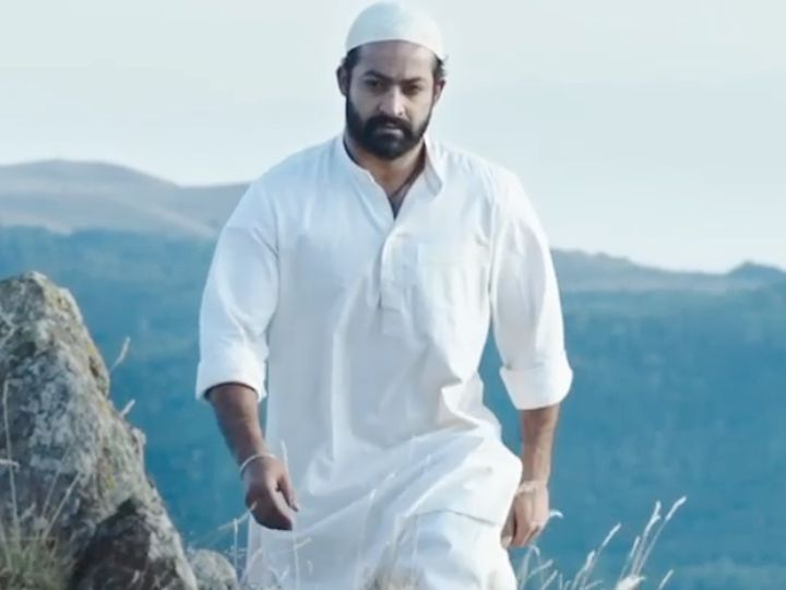 एसएस राजामौली की फिल्म 'RRR' में कोमराम भीम की भूमिका में जूनियर एनटीआर। - Dainik Bhaskar