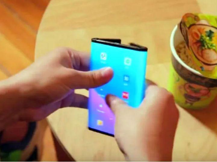 फोन अगले साल की शुरुआत में बिक्री के लिए उपलब्ध हो सकता है। (डेमो इमेज) - Dainik Bhaskar