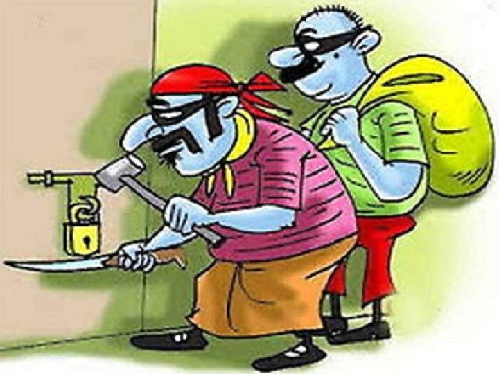 छत्तीसगढ़ के बिलासपुर में चोरों के निशाने पर इन दिनों राशन है। पिछले 4 दिनों ने चोरों ने 3 किराना दुकानों पर हाथ साफ किया है। अब चोर देर रात सरकारी राशन की दुकान से शक्कर, चावल ले गए। - Dainik Bhaskar