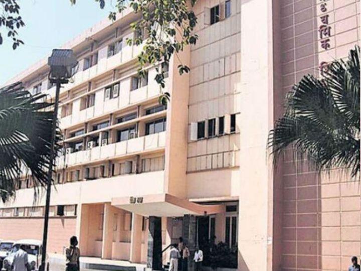 मध्यप्रदेश माध्यमिक शिक्षा मंडल ने कोरोना के कारण शैक्षणिक सत्र 2020-21 की परीक्षा के लिए दसवीं-बारहवीं के सिलेबस में कटौती कर दी है। - Dainik Bhaskar