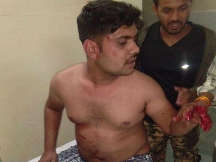 वन निगम के पूर्व अध्यक्ष शिव शंकर पटेरिया के हमले में घायल युवक को सागर रैफर कर दिया गया है। - Dainik Bhaskar