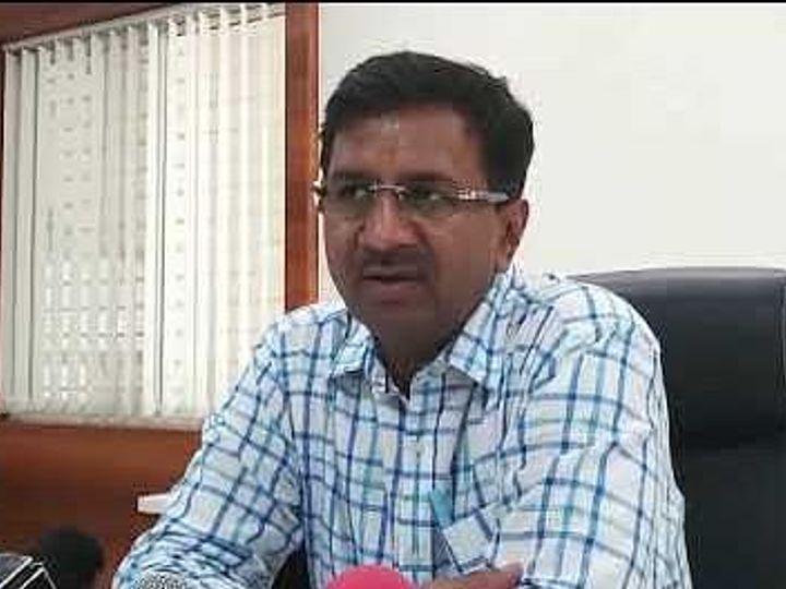 उज्जैन के तत्कालीन कलेक्टर मनीष सिंह। वे अभी इंदौर के कलेक्टर हैं। - Dainik Bhaskar