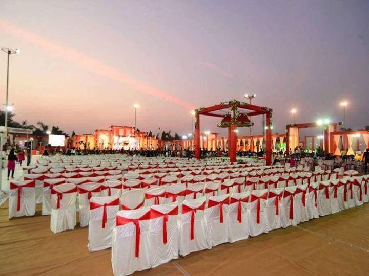 नवंबर से दिसंबर तक अहमदाबाद, वडोदरा, सूरत और राजकोट में करीब 5 हजार शादियां होनी हैं। - Dainik Bhaskar
