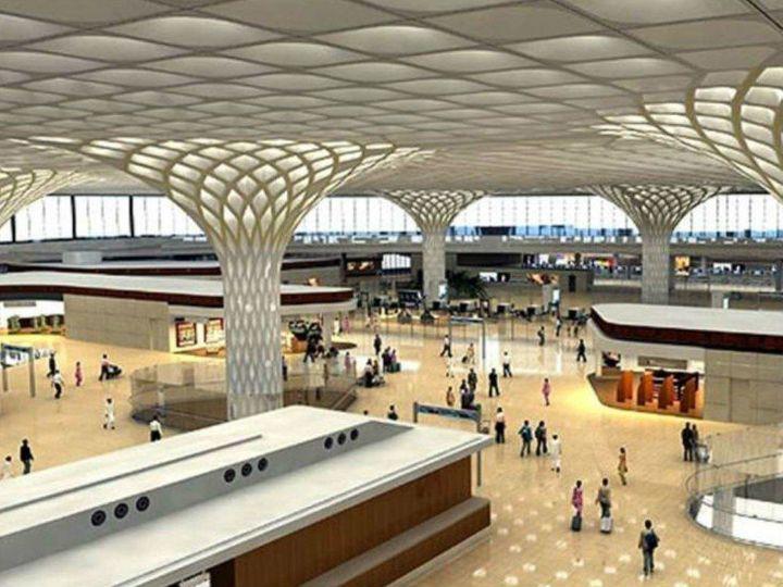 मुंबई एयरपोर्ट देश के सबसे बिजी एयरपोर्ट्स में से एक है। यहां आने वाले सभी पैसेंजर की स्क्रीनिंग की जा रही है। - Dainik Bhaskar