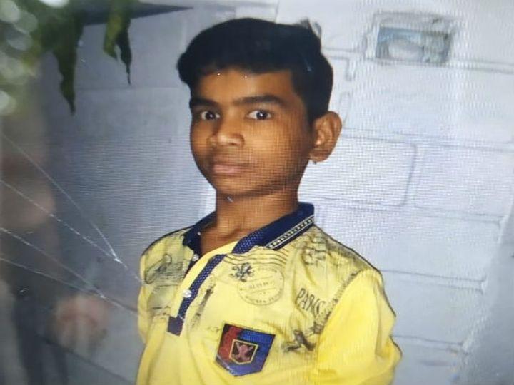 इसी छात्र की रहस्यमयी हालत में मौत हुई है। - Dainik Bhaskar