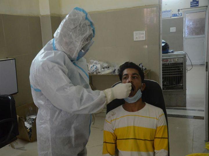जिला अस्पताल में सोमवार को 2157 के  सैंपल लेकर जांच के लिए भेजे गए - Dainik Bhaskar