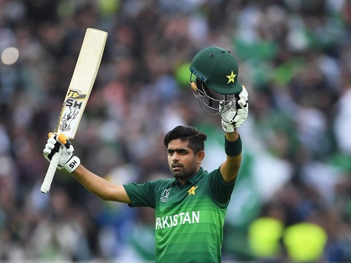 बाबर आजम को हाल ही में पाकिस्तान क्रिकेट टीम का टेस्ट कप्तान बनाया गया था। वे पहले से ही वनडे और टी-20 टीम के कप्तान हैं। -फाइल फोटो - Dainik Bhaskar
