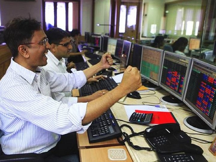 गुरुवार को बाजार की बढ़त को ऑटो और मेटल शेयरों ने लीड किया। वहीं, निफ्टी IT और बैंकिंग इंडेक्स गिरावट के साथ बंद हुए।                        -फाइल फोटो - Dainik Bhaskar