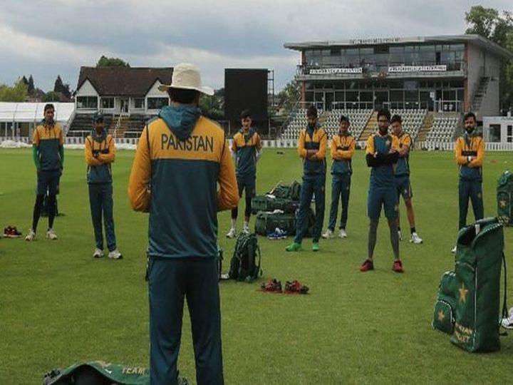 पाकिस्तान की टीम 23 नवंबर को न्यूजीलैंड दौरे पर पहुंची थी। अब तक 10 खिलाड़ी कोरोना संक्रमित हो चुके हैं। - Dainik Bhaskar