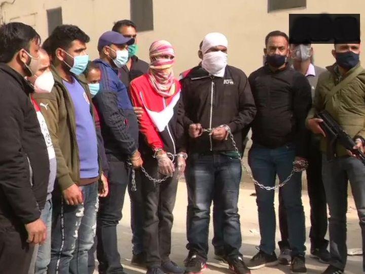 पुलिस ने बताया कि पकड़े गए पांचों लोग ISI के नार्को टेररिज्म नेटवर्क से भी जुड़े हैं। आतंकी संगठन टारगेट किलिंग के लिए गैंगस्टर का भी इस्तेमाल कर रहे हैं। - Dainik Bhaskar