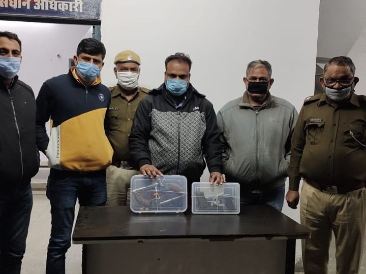 2 loaded pistols from historyheater in Kota, 2 country cots recovered, arms were bought in revenge Funny Jokes
