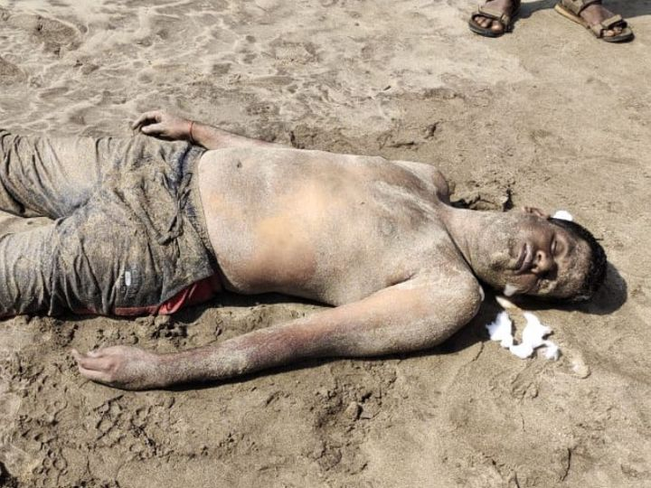 Khaskhabar/Ratnagiri के अरब सागर में डूबा पुणे के पिकनिकर्स का एक समूह। छह लोग अंजर्ले समुद्र तट से अरब सागर में डूब गए, जबकि तीन लोगों को स्थानीय लोगों द्वारा बचाया गया। पुलिस ने इसकी जानकारी दी। यह घटना शुक्रवार