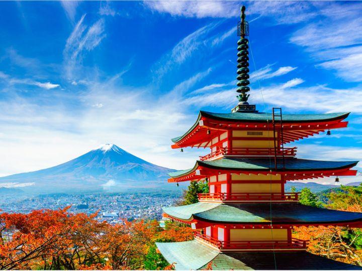जापान में बुजुर्गों की आबादी तेजी से बढ़ रही है। अब यह कुल आबादी के 25 फीसदी के आसपास है। (फाइल फोटो) - Dainik Bhaskar