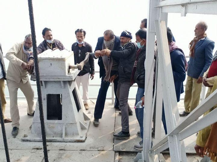 कर्मचारियों ने मध्य प्रदेश के कई गांव को सिचाईं के लिए पानी का संचालन कर रही मध्य नहर को बंद कर दिया। - Dainik Bhaskar
