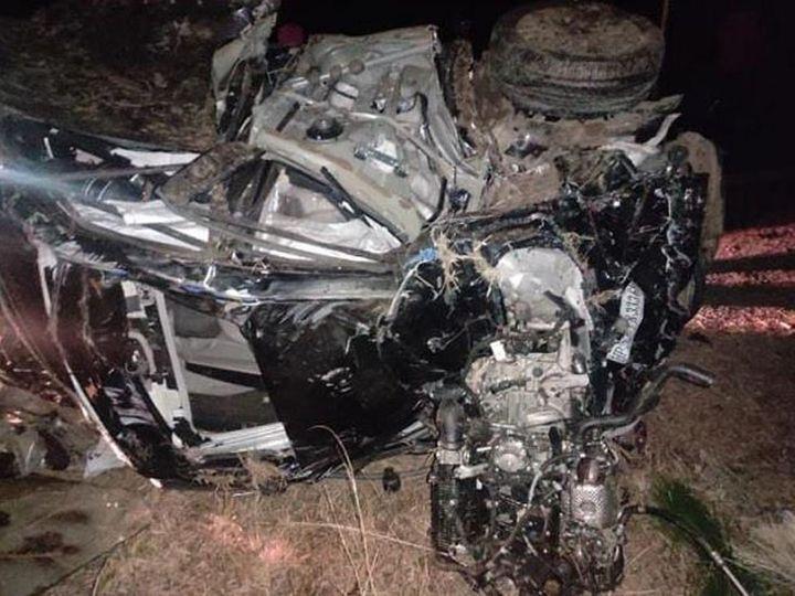 शिमला में खाई में गिरी कार, जिसमें सवार तीन युवकों की मौत हो गई। - Dainik Bhaskar