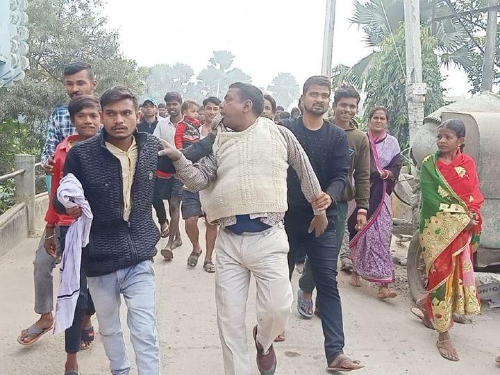 लोगों के हत्थे चढ़ा अपराधी। - Dainik Bhaskar