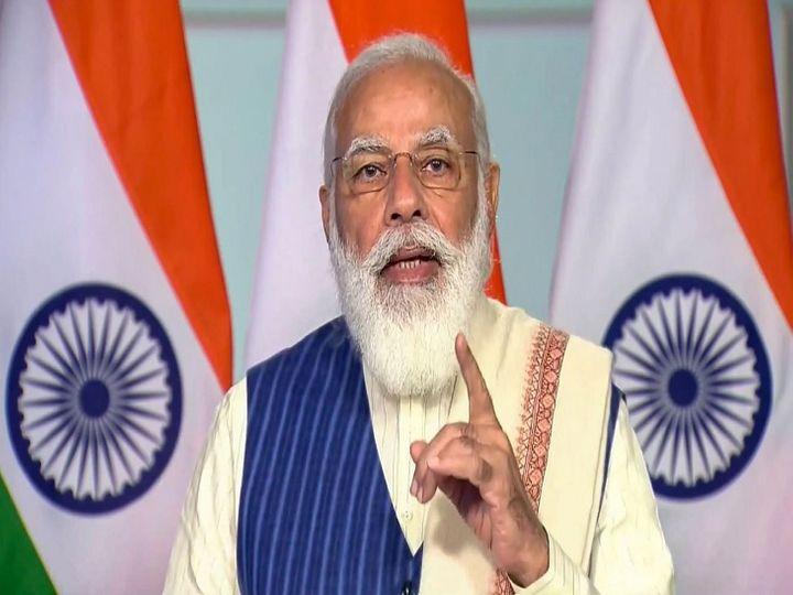 पिछले साल प्रधानमंत्री मोदी की प्री-बजट बैठक को लेकर विवाद हो गया था। क्योंकि इस बैठक में वित्त मंत्री निर्मला सीतारमण मौजूद नहीं थीं, जबकि अर्थशास्त्रियों के साथ-साथ गृहमंत्री अमित शाह बैठक में मौजूद थे।          -फाइल फोटो - Dainik Bhaskar