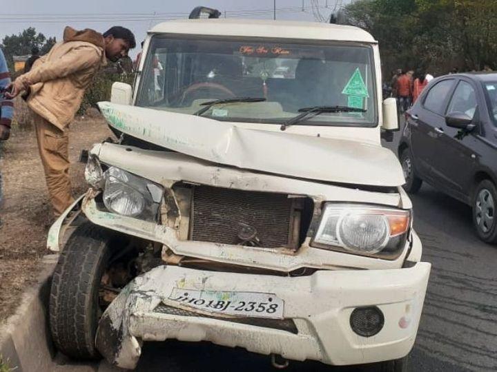 हादसा रांची-पटना मुख्य मार्ग एनएच 33 कुजू के पास हुआ। दुर्घटना के बाद छतिग्रस्त बोलेरो। - Dainik Bhaskar