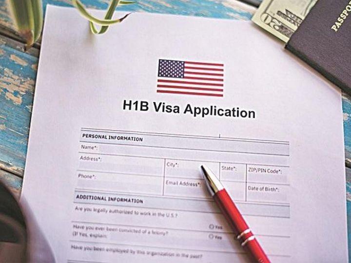 अमेरिकी कांग्रेस नियमों के अनुसार, एक साल में 65,000 H-1B वीजा जारी किए जाते हैं - Dainik Bhaskar