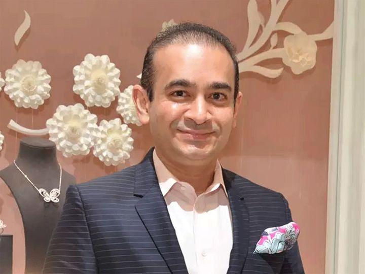 नीरव ने पंजाब नेशनल बैंक (पीएनबी) के साथ करीब 2 अरब डॉलर की धोखाधड़ी की थी - Dainik Bhaskar