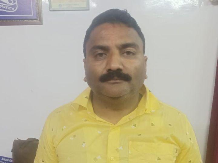 या। पुलिस ने मामले में एक्शन लेते हुए आरोपी शख्स को शनिवार सुबह शहर के घुलेनगर से अरेस्ट कर लिया है। - Dainik Bhaskar