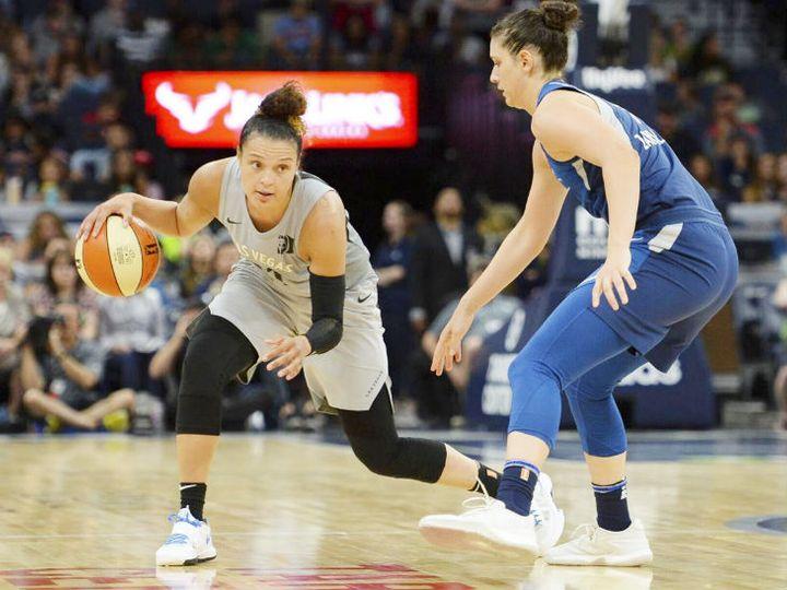 महिला NBA के पिछले सीजन में पहले के मुकाबले 68% व्यूअरशिप बढ़ी थी। (फाइल फोटो) - Dainik Bhaskar