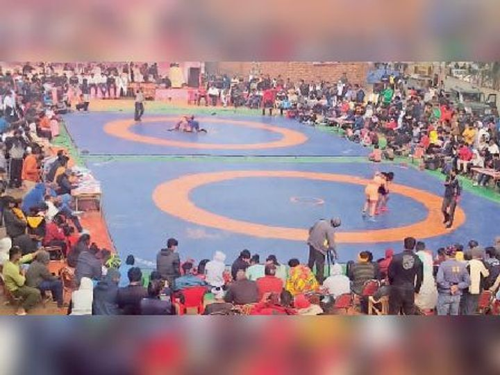 सोनीपत. छाेटूराम एकेडमी में राज्य स्तरीय कुश्ती प्रतियाेगिता का नजारा। - Dainik Bhaskar