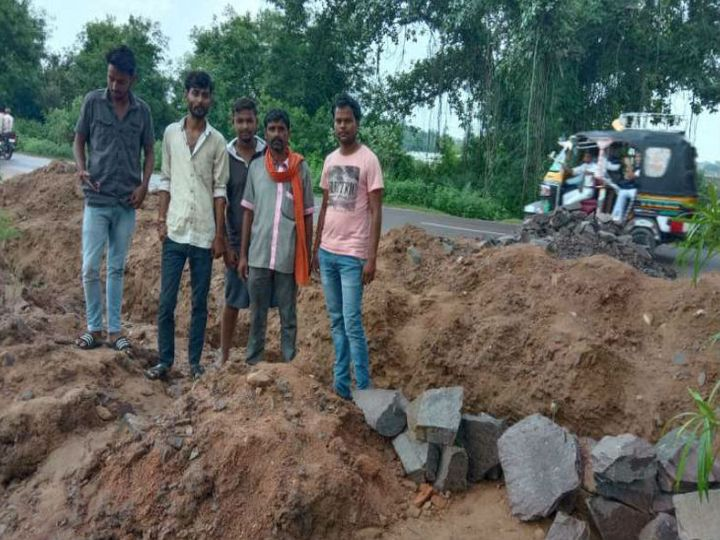 अवैध कॉलोनी बनाकर कर रहा था प्लाटिंग - Dainik Bhaskar