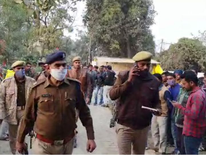 गोंडा के पुलिस अधीक्षक ने मौके पर पहुंचकर पड़ताल की। - Dainik Bhaskar
