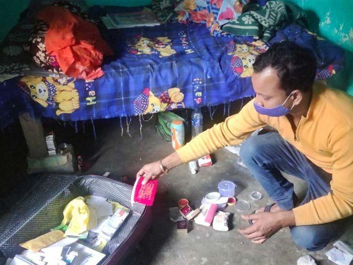 रात एक बजे मकान मालिक ने फोन कर घर के गेट का ताला टूटे होने की जानकारी दी। - Dainik Bhaskar