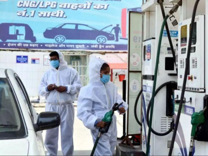 देश के कुल ईंधन खपत में लगभग 40% हिस्सेदारी रखने वाले डीजल की खपत भी पिछले साल की तुलना में दिसंबर में 2.7% गिरकर 7.18 मिलियन टन रही।                -फाइल फोटो - Dainik Bhaskar