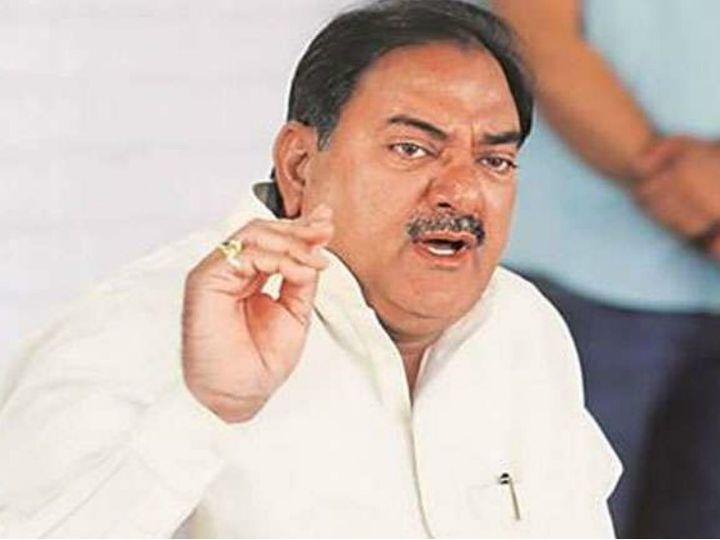 इनेलो नेता अभय चौटाला ने अपना इस्तीफा हरियाणाविधानसभा के अध्यक्ष ज्ञानचंद गुप्ता के पास भिजवा दिया है। - Dainik Bhaskar