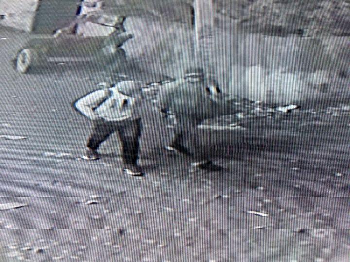 CCTV में कैद हुए चोर। - Dainik Bhaskar