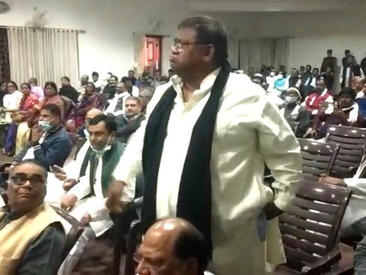 बैठक में पूर्व मंत्री संजीव टोनी के तेवर ने कांग्रेस नेतृत्व को सबसे अधिक परेशान किया। - Dainik Bhaskar