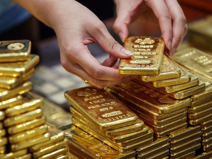 फरवरी में डिलीवर होने वाले सोने की 0.22 प्रतिशत की बढ़त के साथ 49,450 रुपए प्रति 10 ग्राम हो गई - Dainik Bhaskar