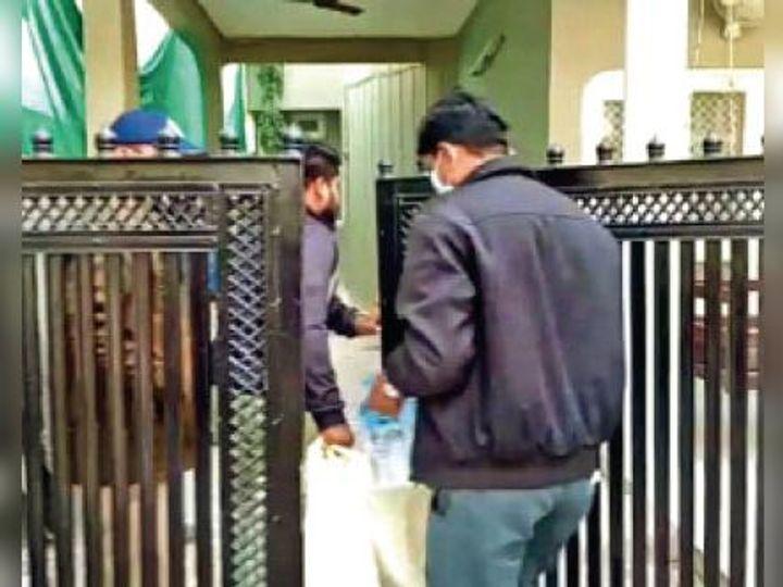 कंपनी के डायरेक्टर व अन्य के 15 ठिकानों पर जांच - Dainik Bhaskar