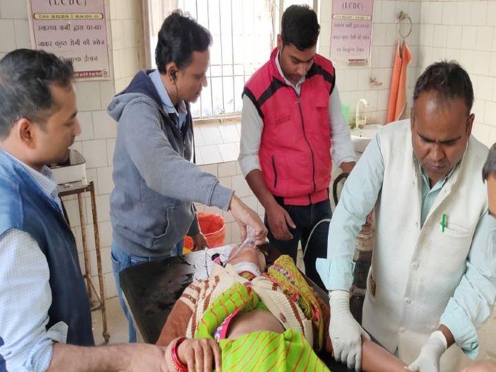 बाइक की टक्कर से घायल महिला की हालत गंभीर होने के कारण पटना रेफर कर दिया गया। - Dainik Bhaskar
