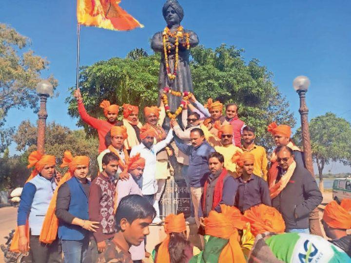 टीकमगढ़| स्वामी विवेकानंद की जयंती पर रैली निकाली। - Dainik Bhaskar