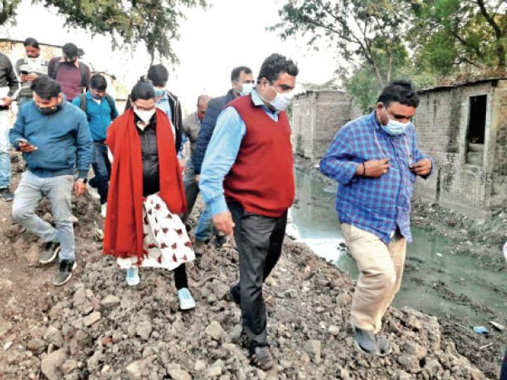 संभागायुक्त ने प्रगति नगर, राजीव नगर, आजाद नगर और मूसाखेड़ी क्षेत्र का दौरा किया। - Dainik Bhaskar