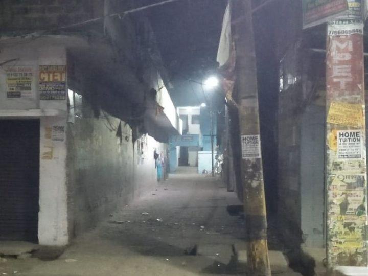 इसी मोहल्ले में हुआ खूनी वारदात। - Dainik Bhaskar