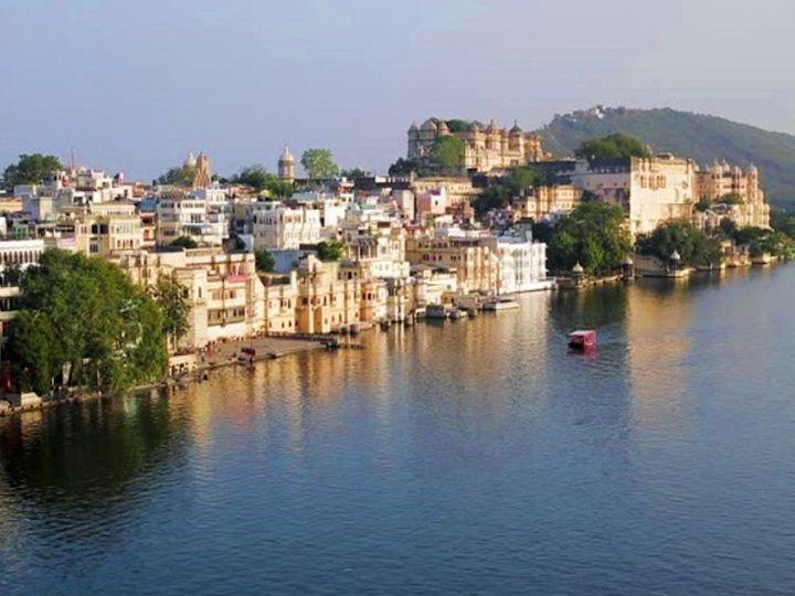 उदयपुर की पिछोला झील। - Dainik Bhaskar
