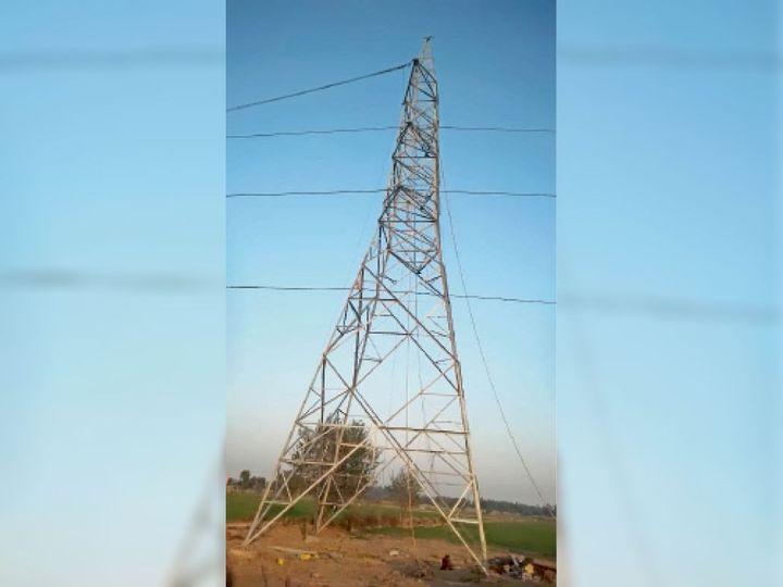 बहादुरगढ़ में लगा बिजली का टावर। - Dainik Bhaskar